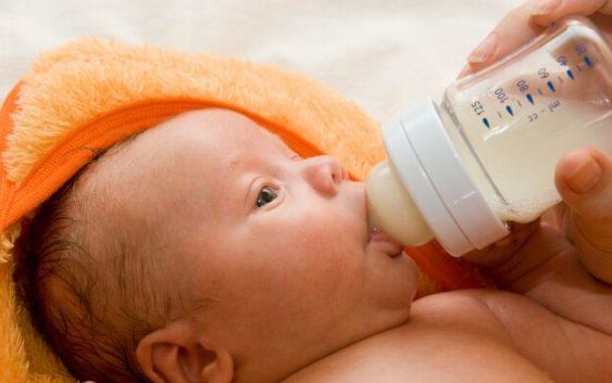 Подсказки для кормящих мам. Сцеживание молока