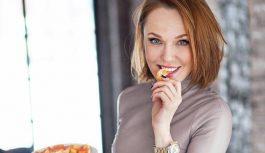 Без макияжа: Альбина Джанабаева показала видео с тренировки