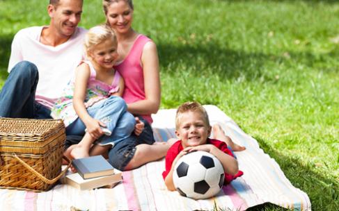 Какому футбольному мячу отдать предпочтение для игр с ребенком?